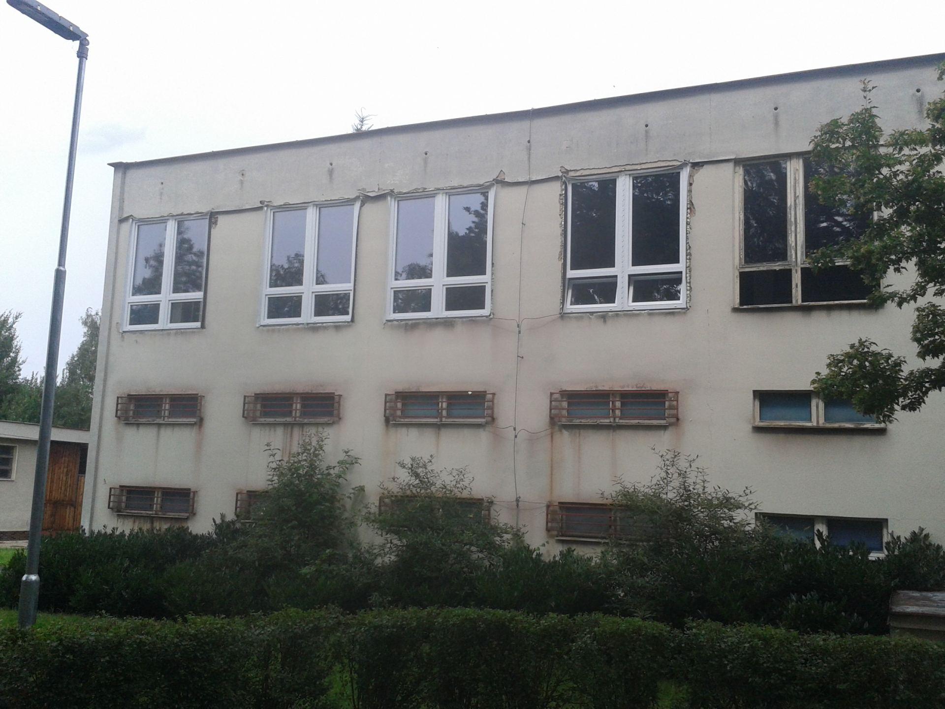 pohled na nově osazená okna