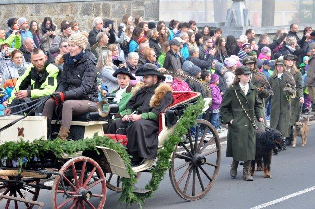 Svatý Hubert, patron lovců a myslivců, dnes, jako každoročně, převzal z rukou místostarosty města symbolický klíč a spolu s ním i vládu nad naším městem.
