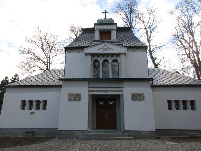 Hřbitovní kaple získala nový kabát