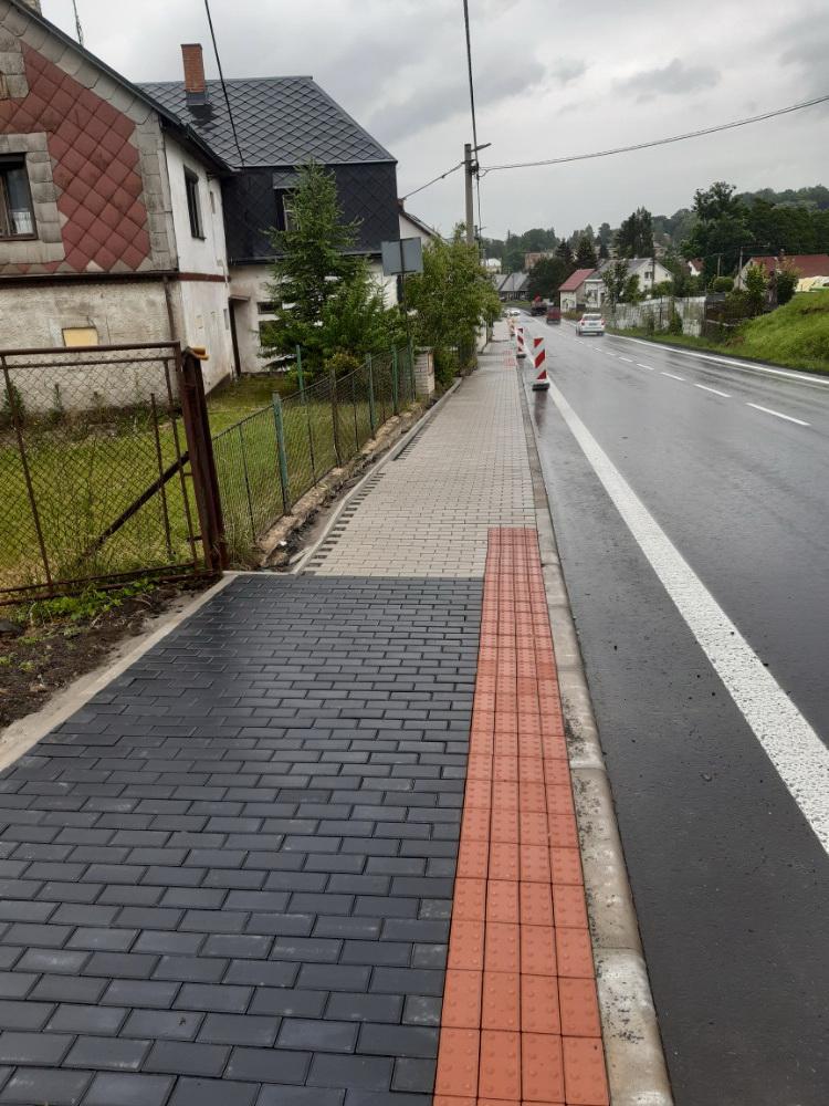 03 - nový chodník ze zámkové dlažby