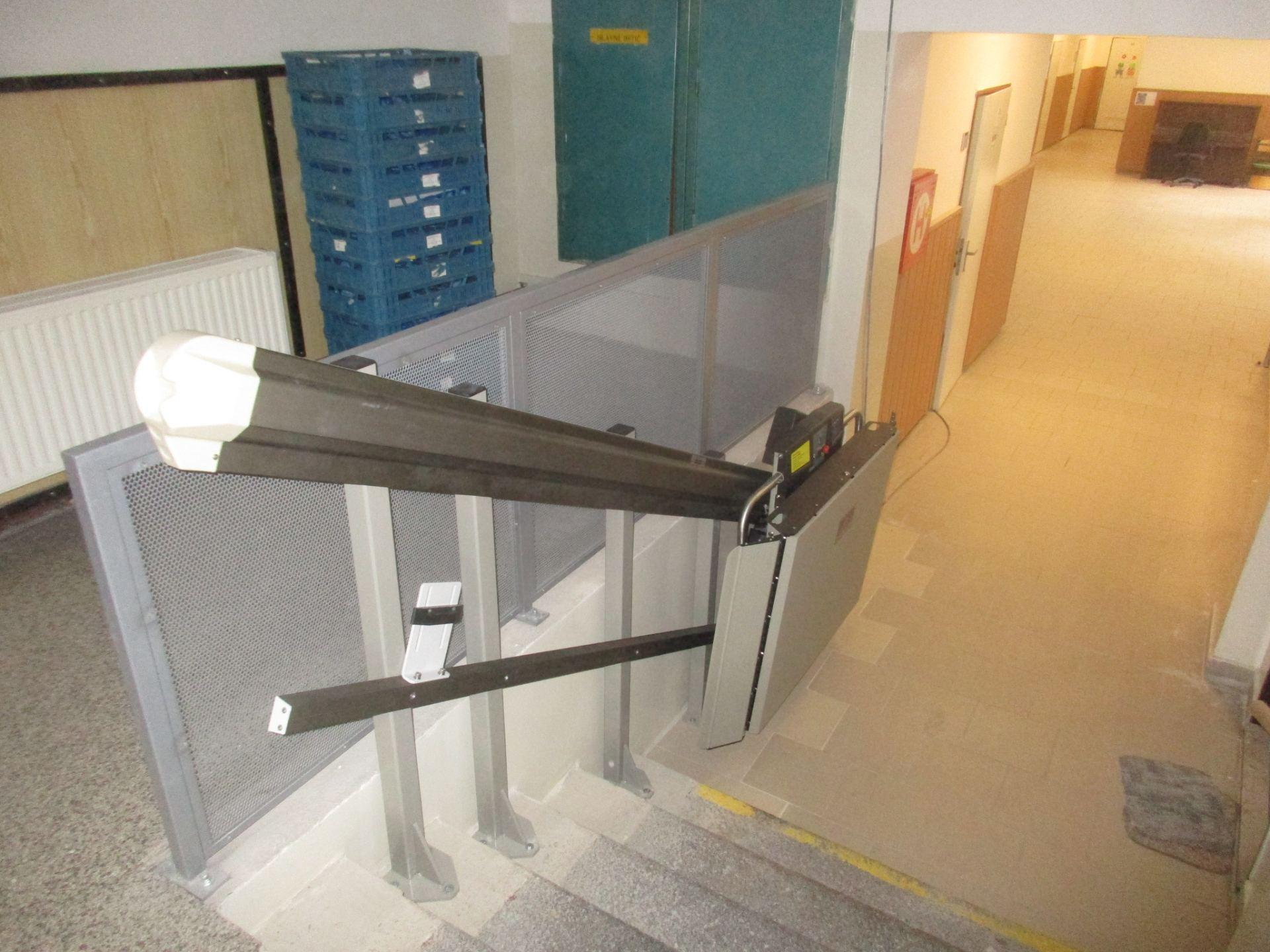 osazení plošiny na schodišti