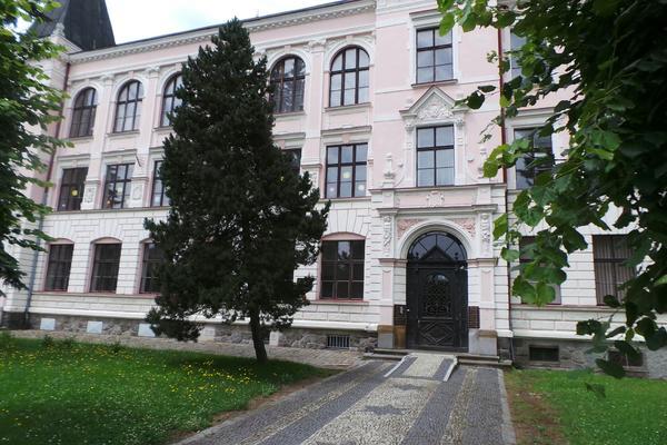 Školy v okrese Děčín zůstávají do odvolání UZAVŘENY