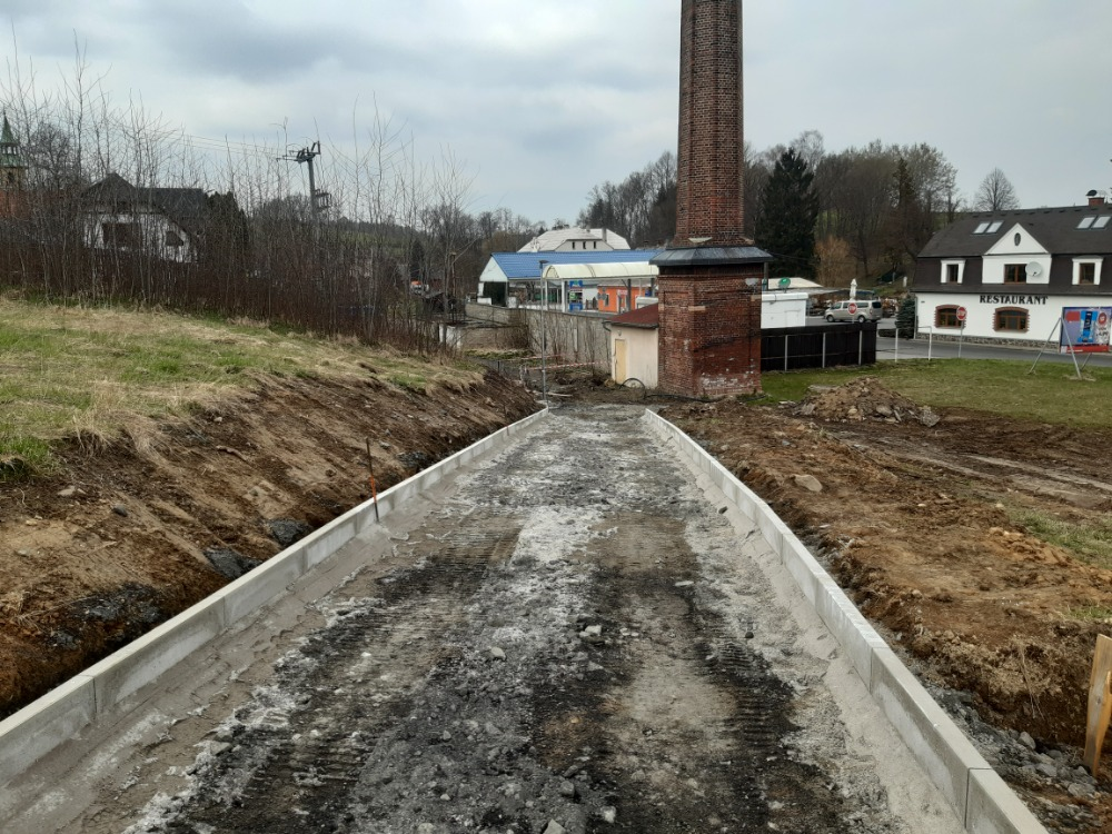 06 - nové vedení trasy okolo čerpací stanice v Rožanech